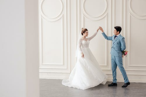 Planning out your wedding checklist